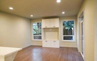 6207 SW 21st Living Space